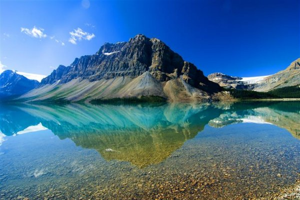 crowfoot-mountain-viewover-bow-lake.jpg