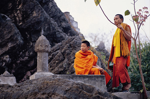 vietnam-monks.jpg